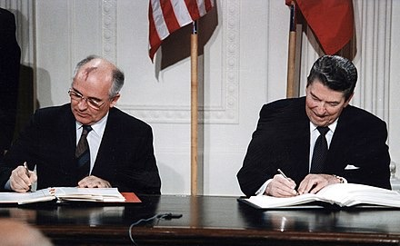 Gorbachev and Reagan signing INF Accord, the White House, 08.12.1987