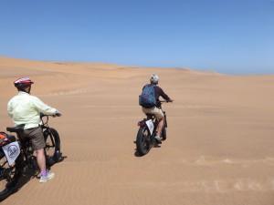 Fatbike in dunes